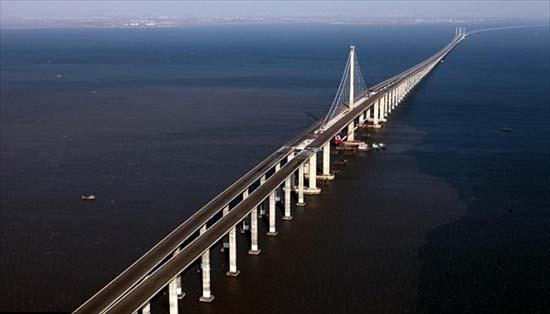 Famous Buildings Of The World The World 39 S Longest Sea Bridge