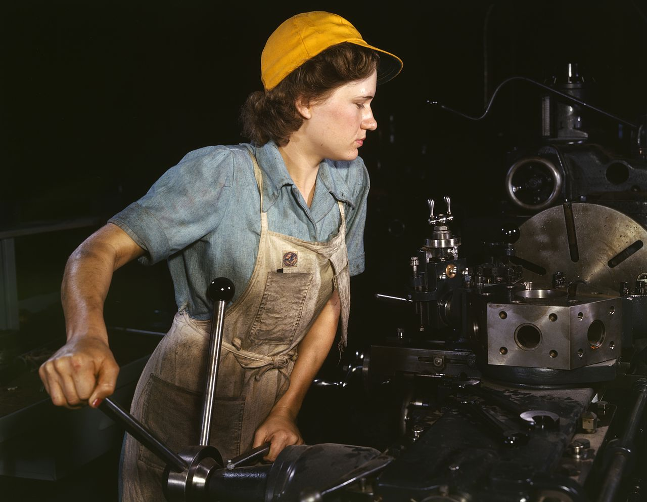 madre trabajadora fabrica