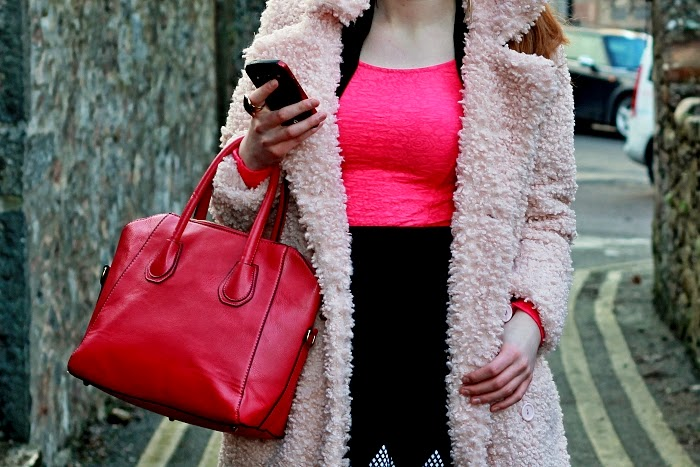 aberdeen blogger, scottish blogger, rgu, missguided pink coat