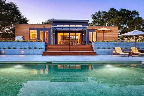 แบบบ้านชั้นเดียว มีสระว่ายน้ำหน้าบ้าน