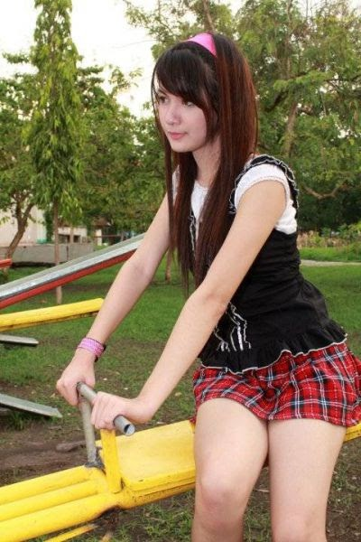 koleksi galeri foto video model bugil nonamanis gadis cantik cewek seksi igo.