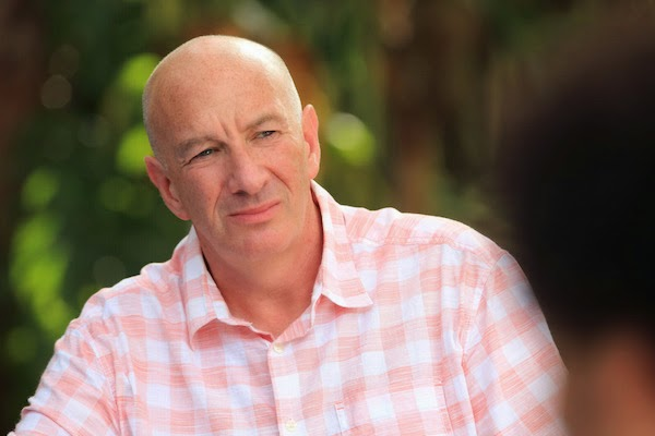 Charlie Beckett (SIMON DAY) in Death in Paradise