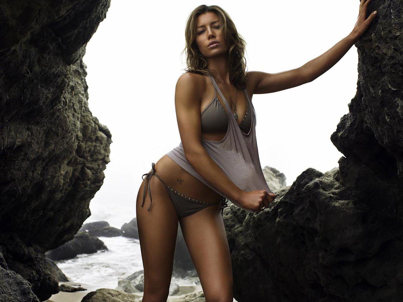 http://3.bp.blogspot.com/--Jl2SPIhtus/UIZj5wXANpI/AAAAAAAAZig/h5AaYCkF8kc/s1600/Jessica+Biel+Hot+HD+Wallpaper+2012+04.jpg