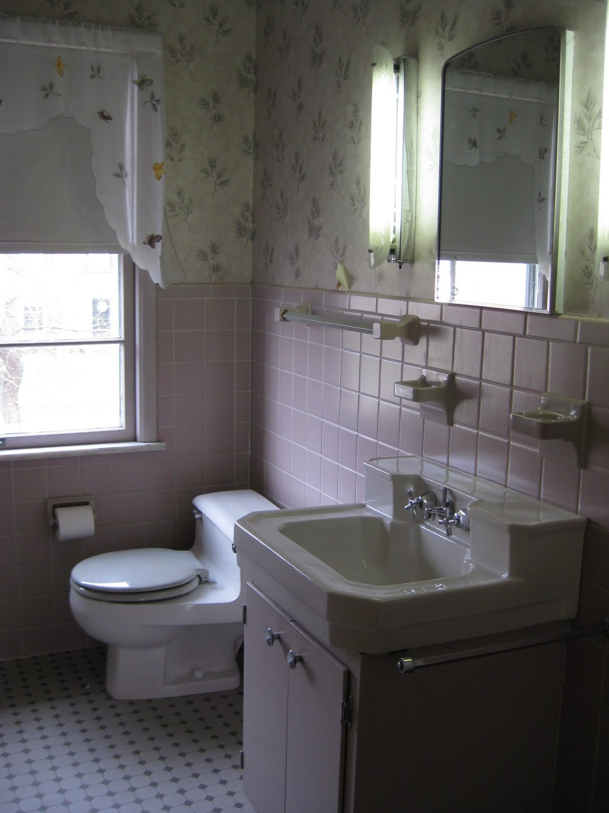 Home 1950 s bathroom revamp with akurum