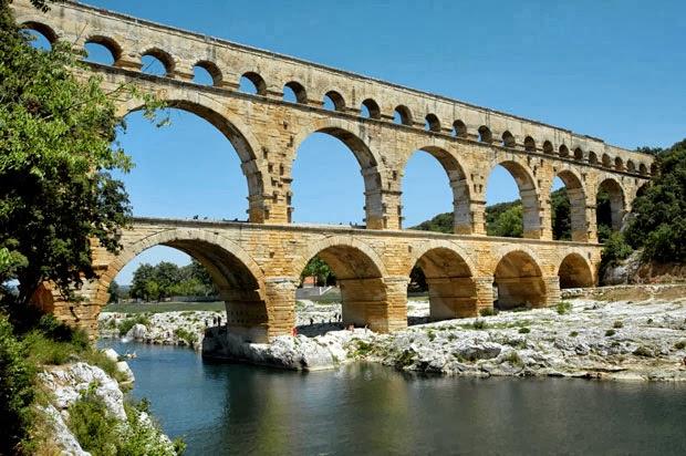 Romeinse cultuur romeinse bouwkunst for Dus welke architectuur