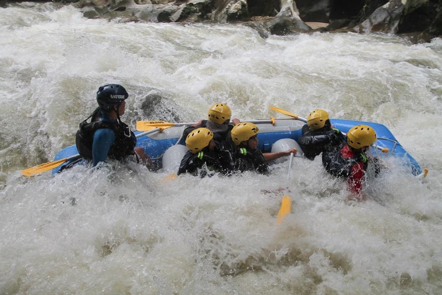 Aktiviti Water Rafting di Gopeng, Perak