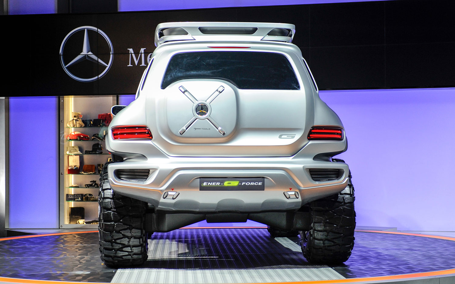 скачать темы mercedes-benz ener-g-force concept car