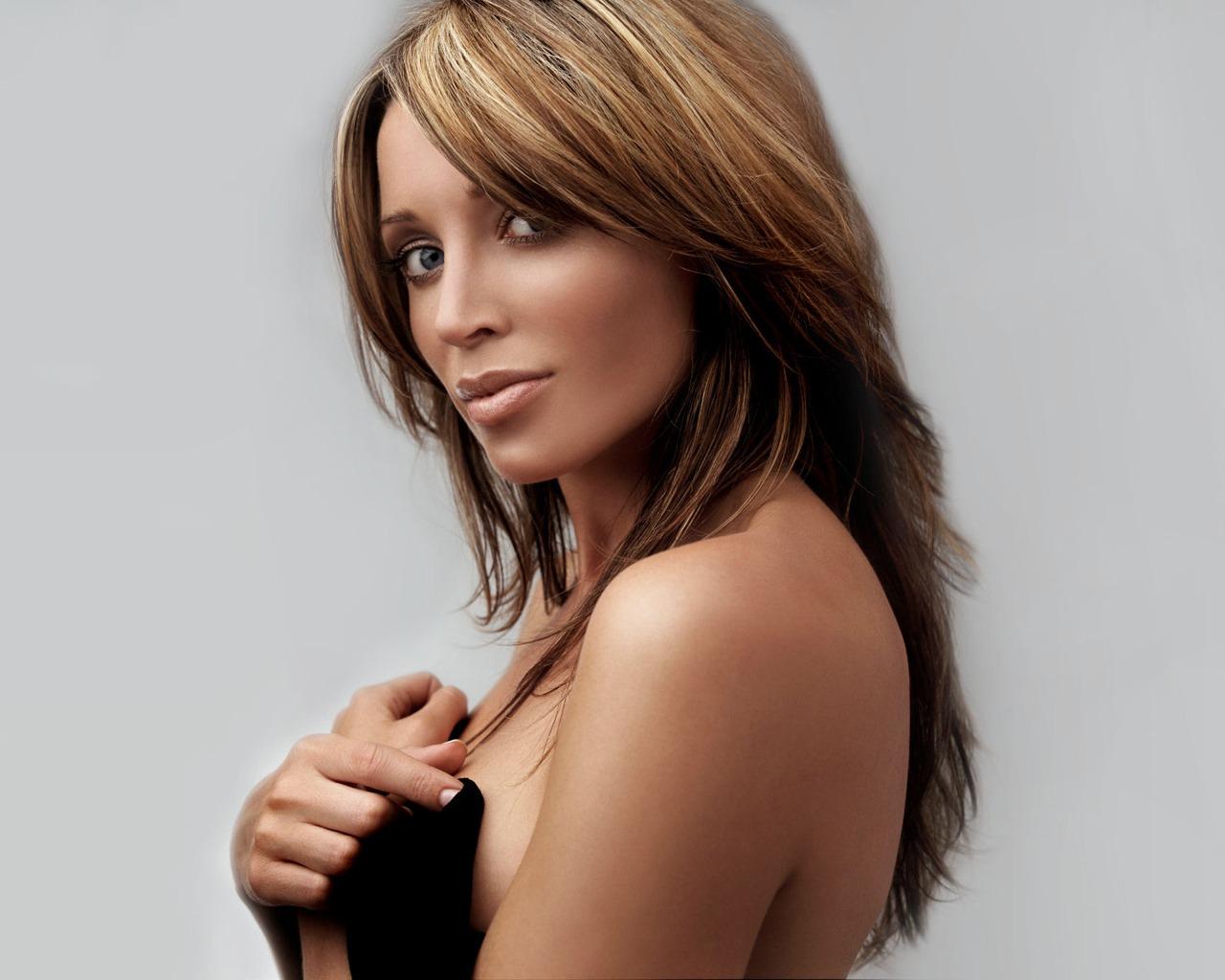 http://3.bp.blogspot.com/--KXWcOezip0/T1cEIc-wayI/AAAAAAAADYQ/PSHJ9bZWBXw/s1600/Dannii+Minogue+%281%29.jpg