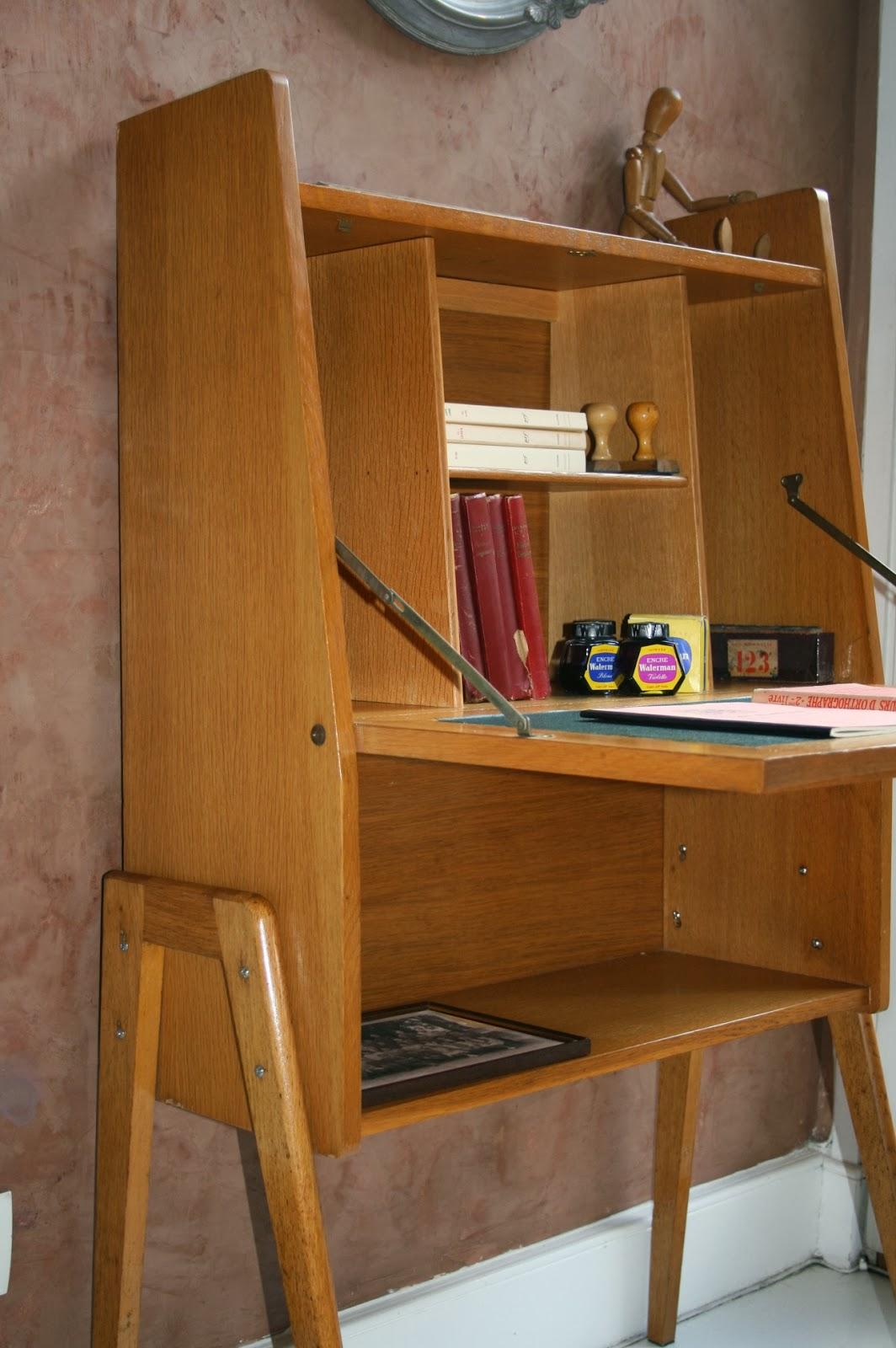 c 39 est la re cr ation vintage scolaire vintage coup de c ur petit secr taire des ann es 50. Black Bedroom Furniture Sets. Home Design Ideas