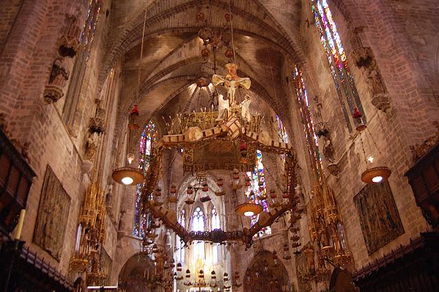Baldaquino de Gaudí
