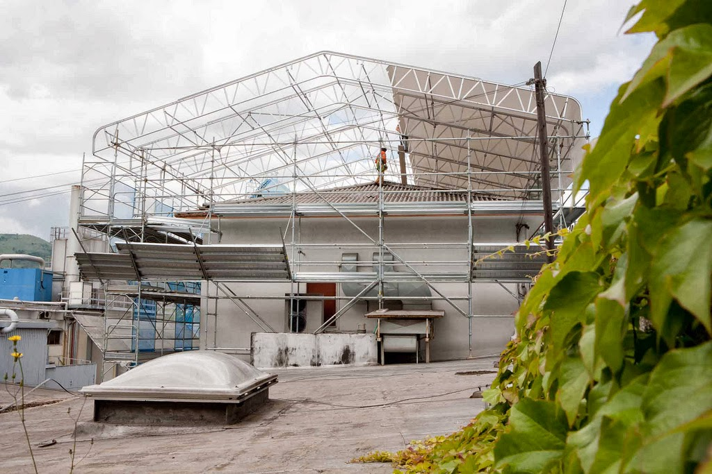 Decor plast album foto struttura tetto in legno - Copertura a tetto ...