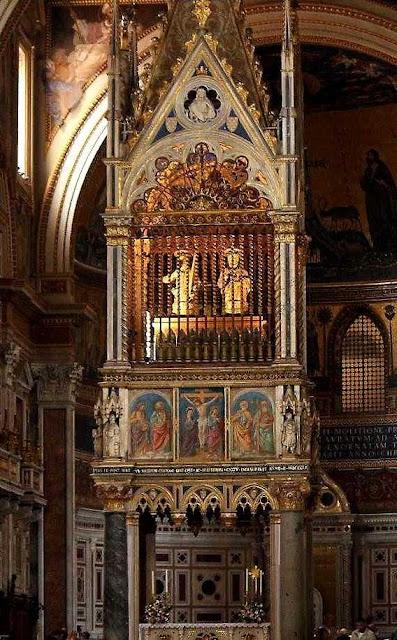 Altar-mor de São João de Latrão, Roma