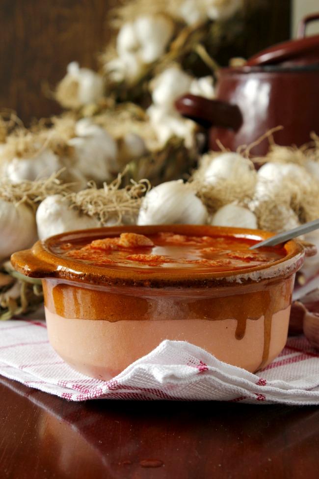 Receta sopa de ajo castellanas. http://www.maraengredos.com/