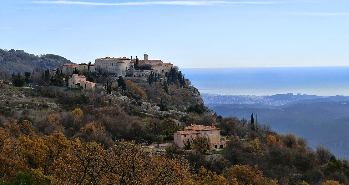 The hilltop village of Gourdon in winter