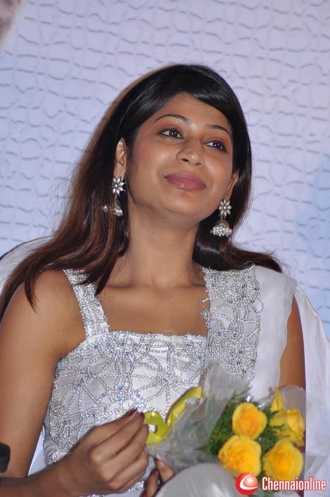 http://3.bp.blogspot.com/--LD81I-DFOc/TeuTUUs8yuI/AAAAAAAAIJc/RlSxdvc_dZg/s1600/Vijayalakshmi-Ahathian-Hot-Photos-15.jpg