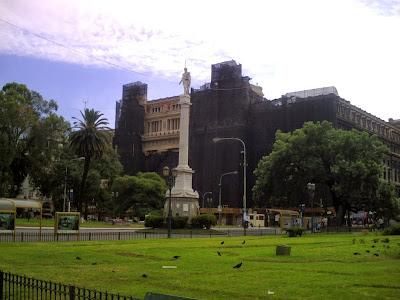 Monumento en Plaza Lavalle, Ciudad de Buenos Aires