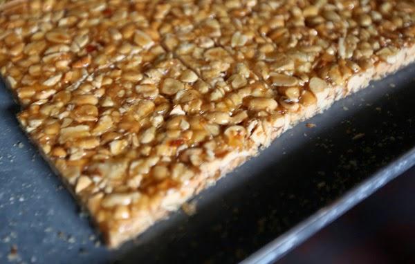 Peanut Brittle (Kẹo Lạc)
