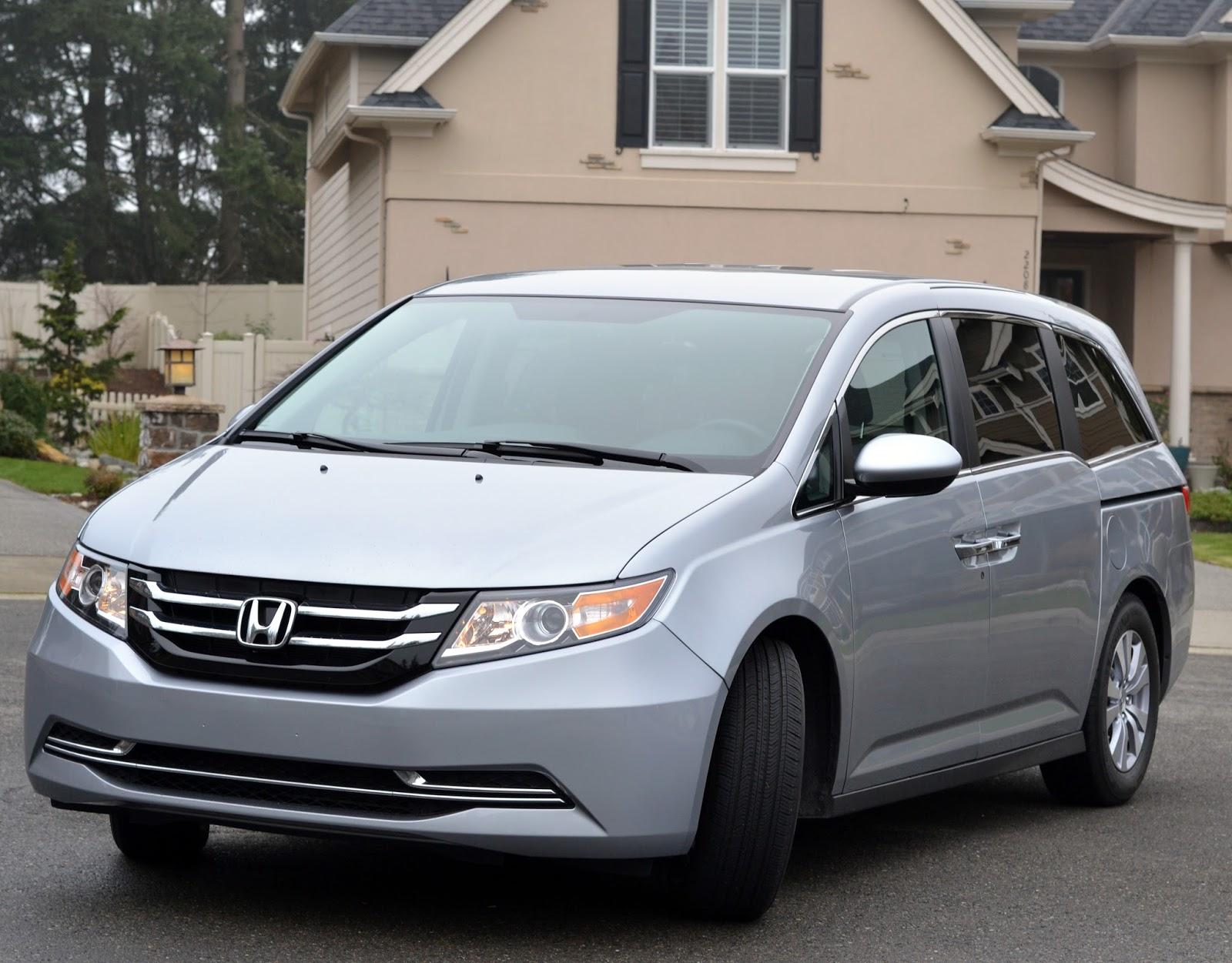 The honda odyssey mini van review rachel teodoro for Honda odyssey minivan