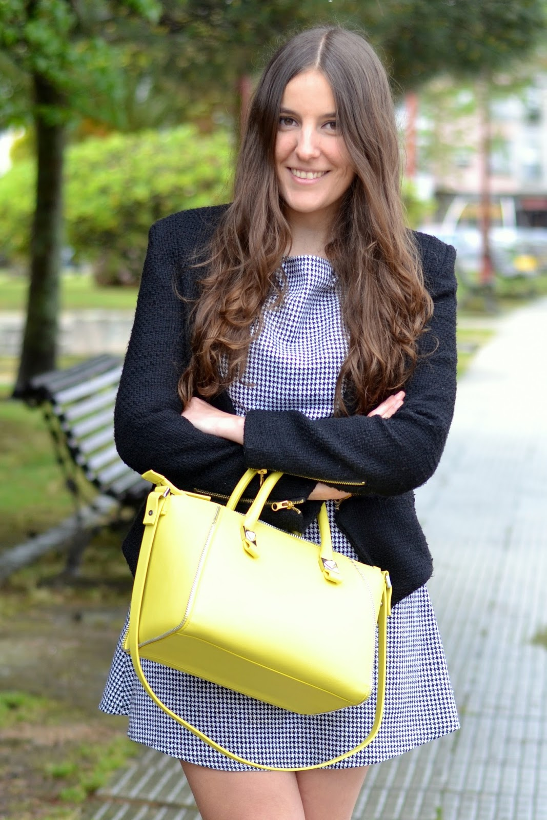 outfits yellow bag