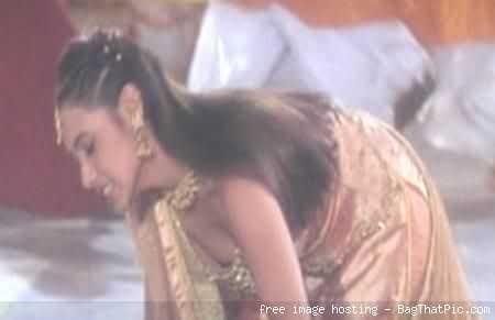 mobile handsets review priyanka chopra rani mukarjee sangeeta ghosh