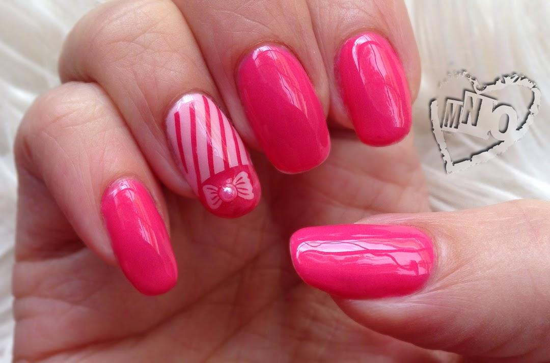 Nail design art stamp bow pink RCM red carpet manicure pearl 90210 french stripes cute girly