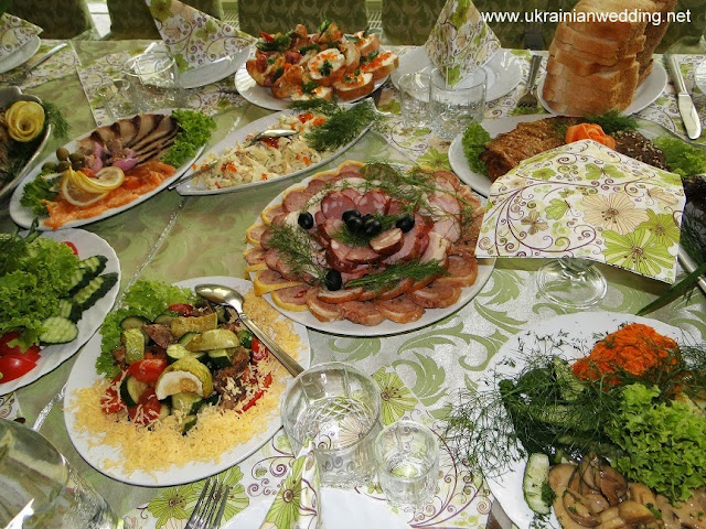 Український весільний стіл