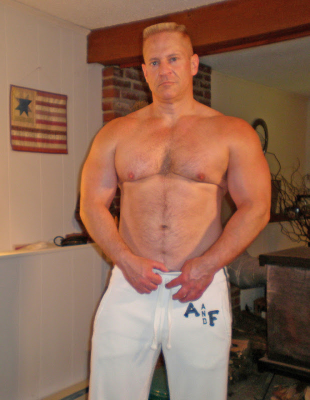 Mature men and bears hideaway what? join