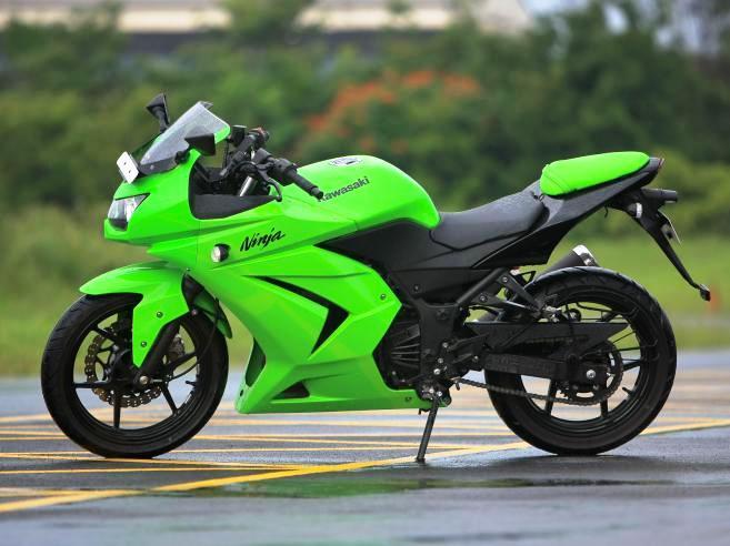 HOT MOTO SD: Kawasaki Ninja 250 rr