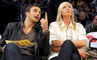 Amazing Couple Maria Sharapova With Her Boyfriend