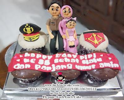 Cupcake Polisi Tema Keluarga