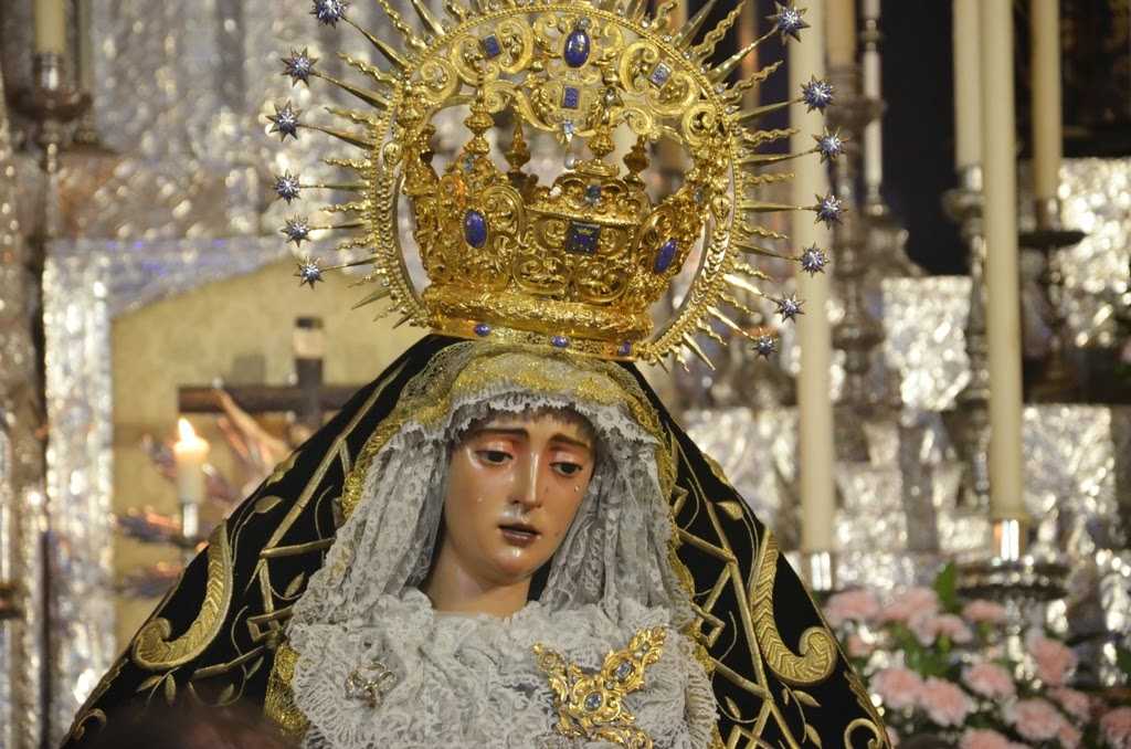 Venia la Virgen llorando..  ( Rguez. Buzón )