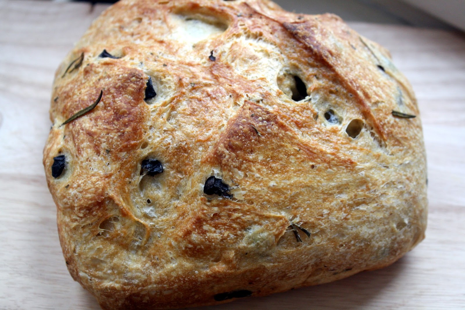 Make-Meals Mama: Black Olive & Rosemary Bread