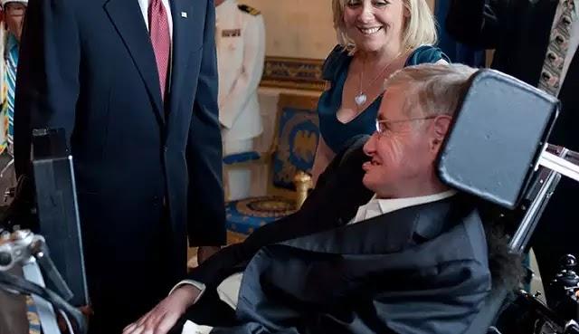 Ο ανάπηρος της ελιτ που έχουν δήθεν για επιστήμονα:Stephen Hawking καλεί για «παγκόσμια διακυβέρνηση»