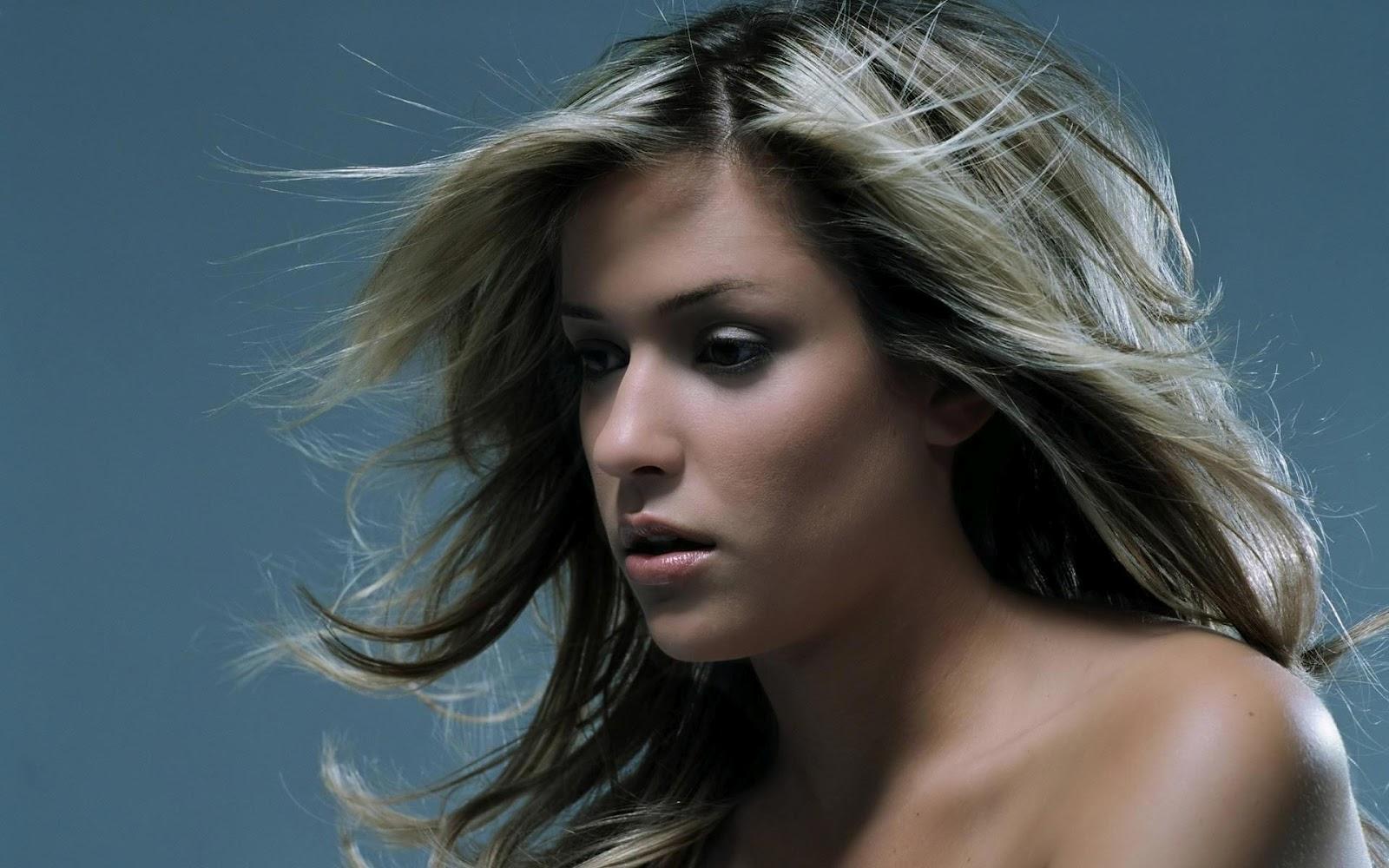 http://3.bp.blogspot.com/--NJ2L2T_pXY/UCM3IUqj7II/AAAAAAAAFRs/AgglTr48MDg/s1600/Hair+Style13.jpg