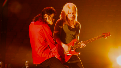 Michael Jackson's – This is it – Black or White, Michael and Orianthi Panagaris solo.