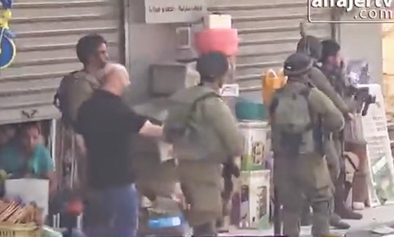Video Tentera Israel Tangkap Peniaga Di Tebing Barat Palestin, Video Tentera Israel Tangkap Rakyat Palestin Di Tebing Barat Palestin