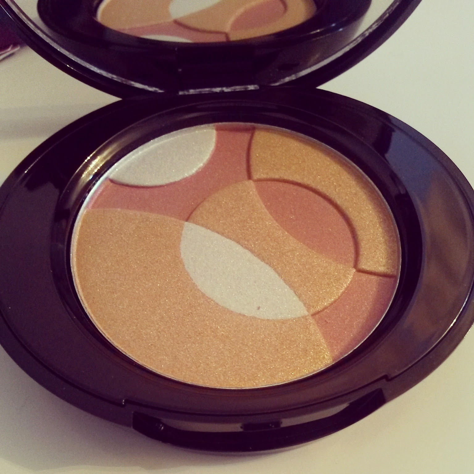 Review Boots no 7 radiant spheres highlighter