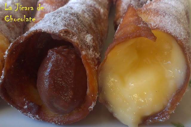 Barquillos o Canutillos de Chocolate y de Crema