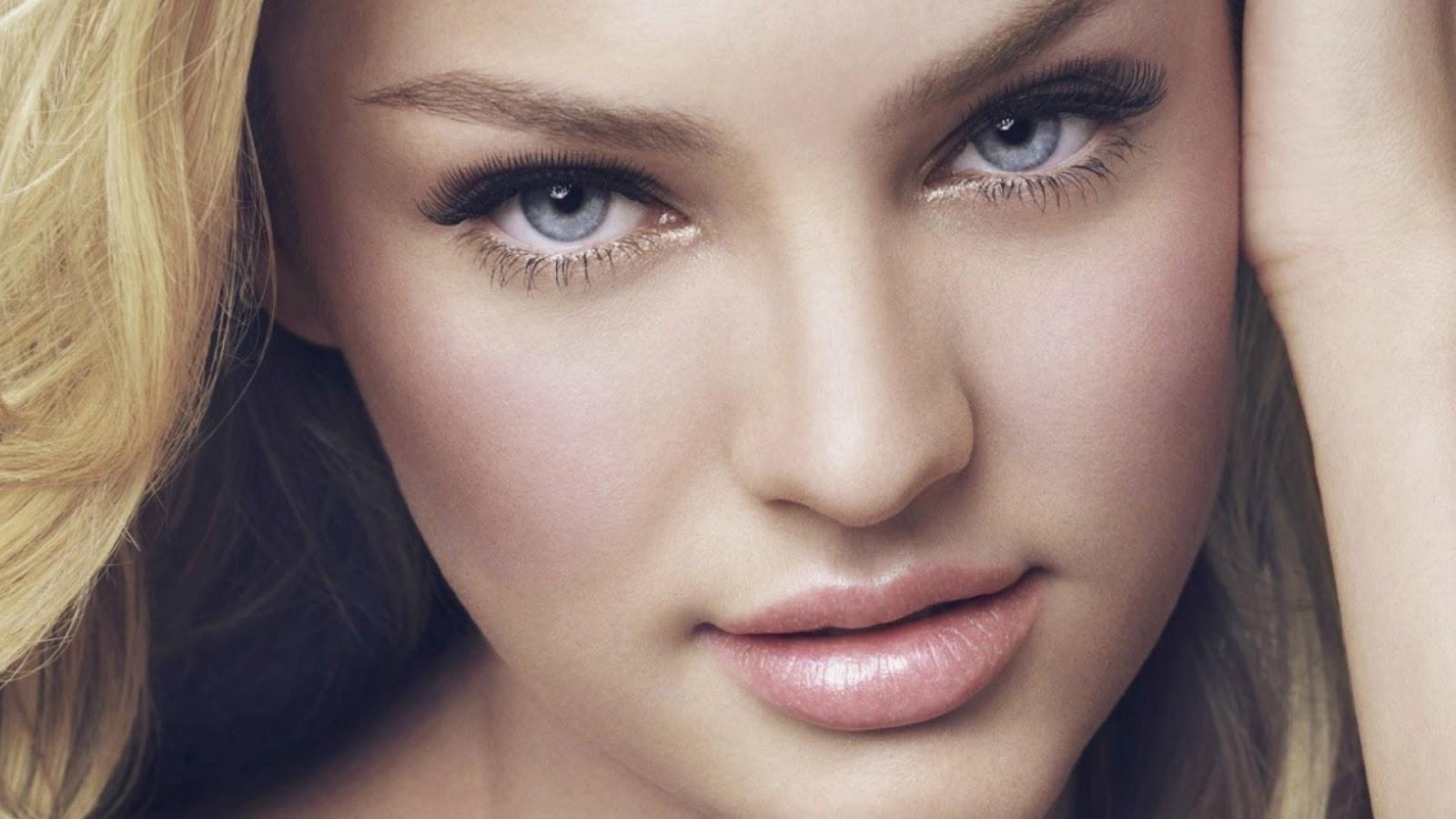 Beautiful Face Model 32