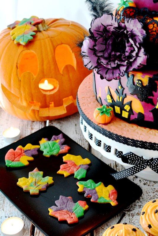 kessy 39 s pink sugar topsy turvy halloween cake bunte. Black Bedroom Furniture Sets. Home Design Ideas