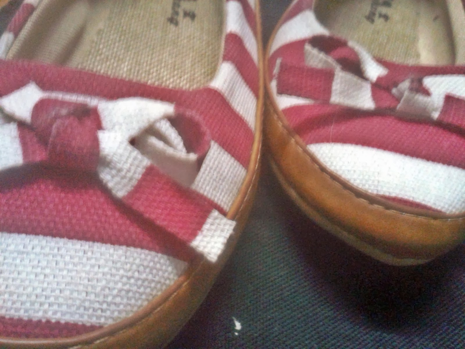 striped shoes, bows, sailor inspired shoes, red and white bows