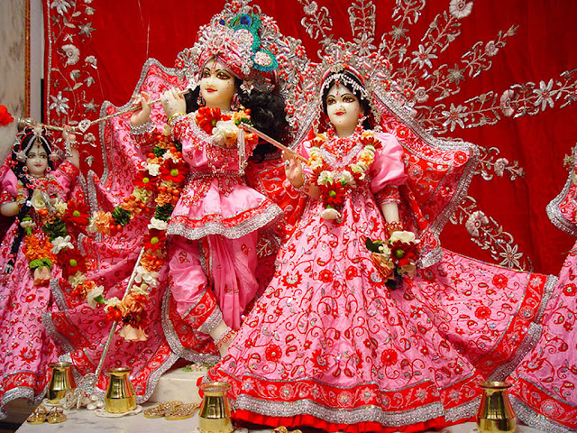 Radha Krishna in Beautifful Pink Dress HD Wallpapers