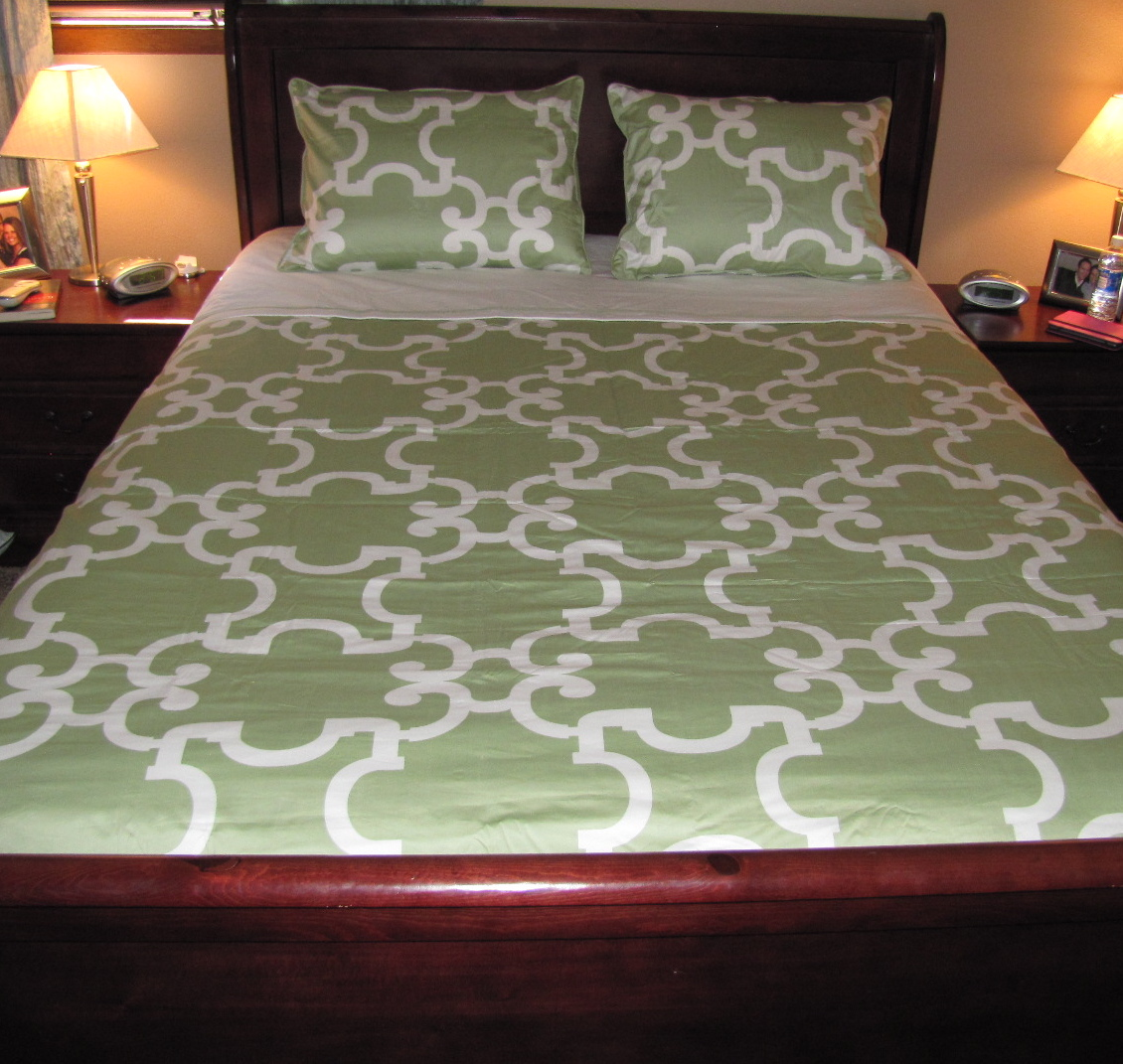 I have been really impressed with the quality design and convenience this Signature Duvet Set from Crane u0026 Canopy offers! The color is absolutely beautiful ... & Crane u0026 Canopy Signature Duvet Cover ~ Review u0026 SHORT Giveaway