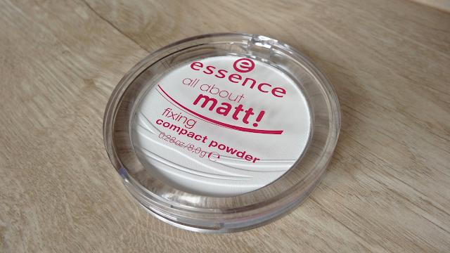 Moja nieobecność | Recenzja: Niezbędny w mojej torebce - puder Essence, All about matt! fixing compact powder