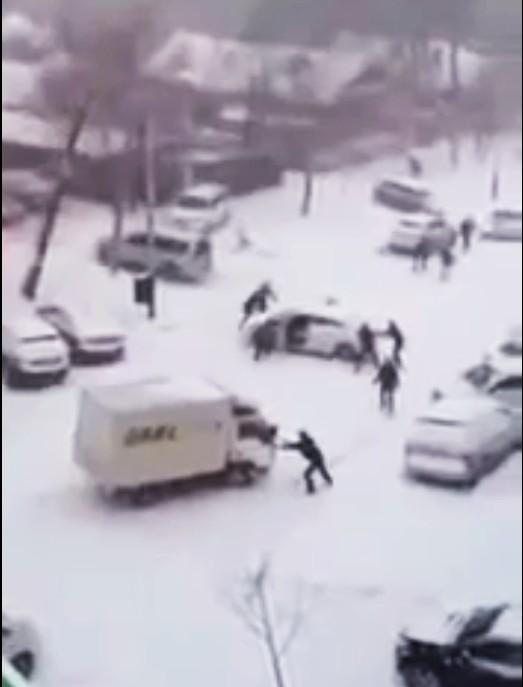 colisiones en cadena, nieve, vídeo,