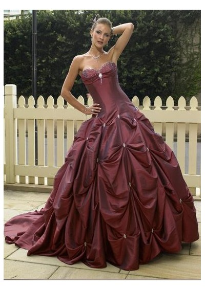 WhiteAzalea Ball Gowns: Pick-up Skirts Make Ball Gowns Eye-catching