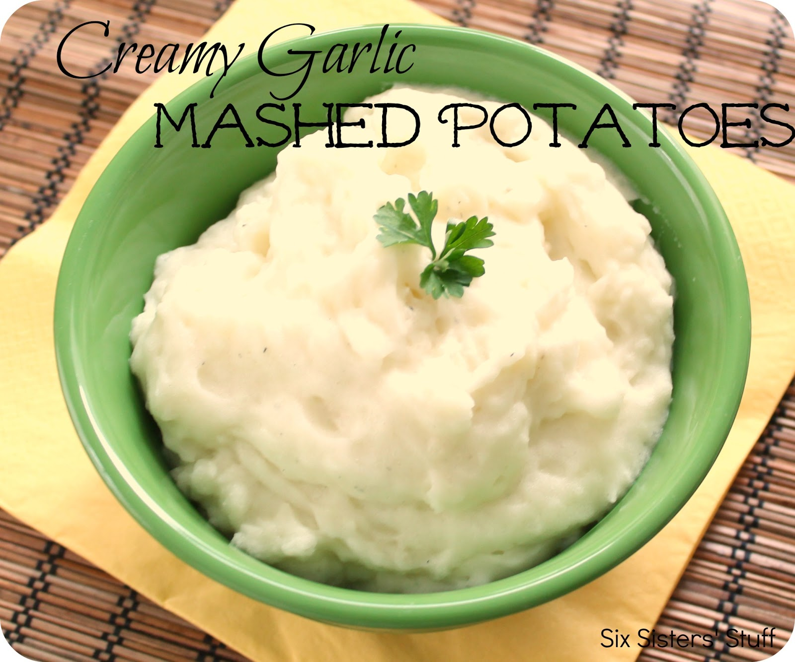 Creamy Garlic Mashed Potatoes | Six Sisters' Stuff