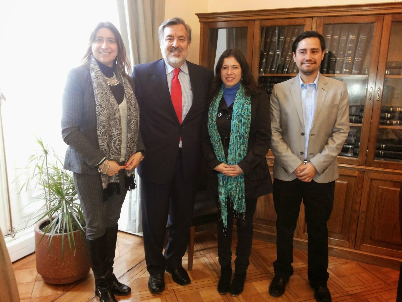 Discutiendo Políticas de Comunicación en Chile