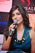 Shruti haasan glamorous photos-thumbnail-11