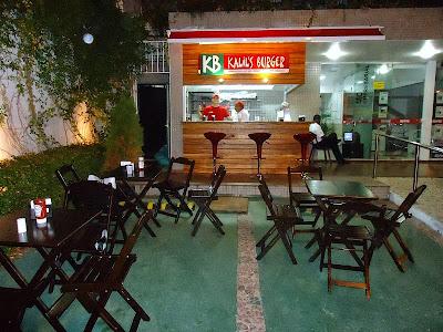 Kalil's Burger: Fachada e mesas (foto: divulgação)
